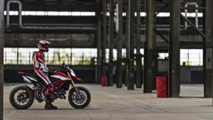 Hypermotard-950-SP-MY19-Torino-05-Gallery-1920x1080