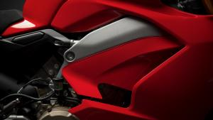 Panigale-V4-MY18-Red-15-Slider-Gallery-1920x1080