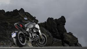 Diavel-1260-S-MY19-Ambience-09-Gallery-1920x1080