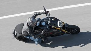 Diavel-1260-S-MY19-Ambience-11-Gallery-906x510