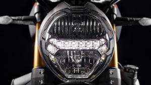 Monster-1200S-MY18-Black-17-Slider-Gallery-1920x1080