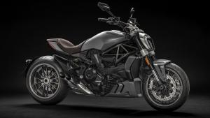 XDiavel-Matt-Liquid-Concrete-Grey-MY19-02-Gallery-1920x1080
