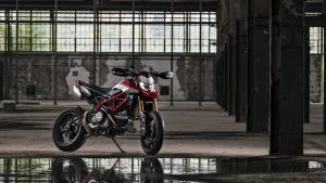 Hypermotard-950-SP-MY19-Torino-08-Gallery-1920x1080