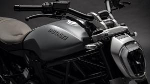 XDiavel-Matt-Liquid-Concrete-Grey-MY19-09-Gallery-1920x1080