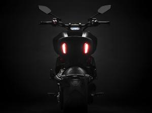 Diavel-1260-S-MY19-07-Gallery-906x510